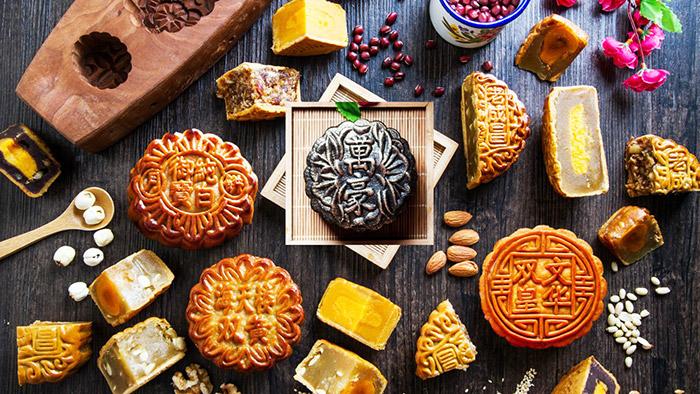 Bánh Trung thu Long Đình đa dạng mẫu mã, mùi vị thơm ngon
