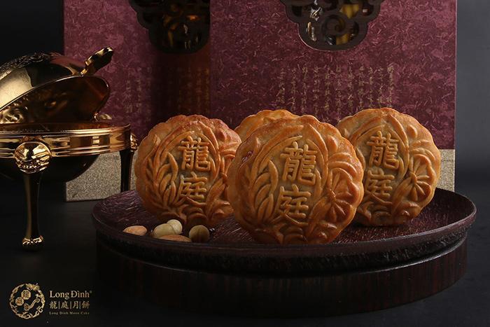 Bánh Trung thu có nguồn gốc từ Trung Quốc, sau đó được sử dụng rộng rãi ở Việt Nam và một số quốc gia khu vực Đông Á.